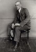 В. Маяковский (фото А. Родченко, 1924 г.)