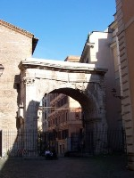 Сервиева стена. Эсквилинские ворота