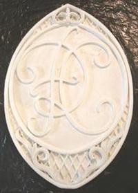 Медальон с монограммой