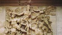 Фриза Пергамского алтаря (фрагмент)